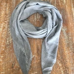 Accessories - Beautiful gray scarf